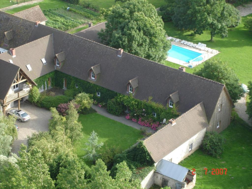 A bird's-eye view of Chateau 2