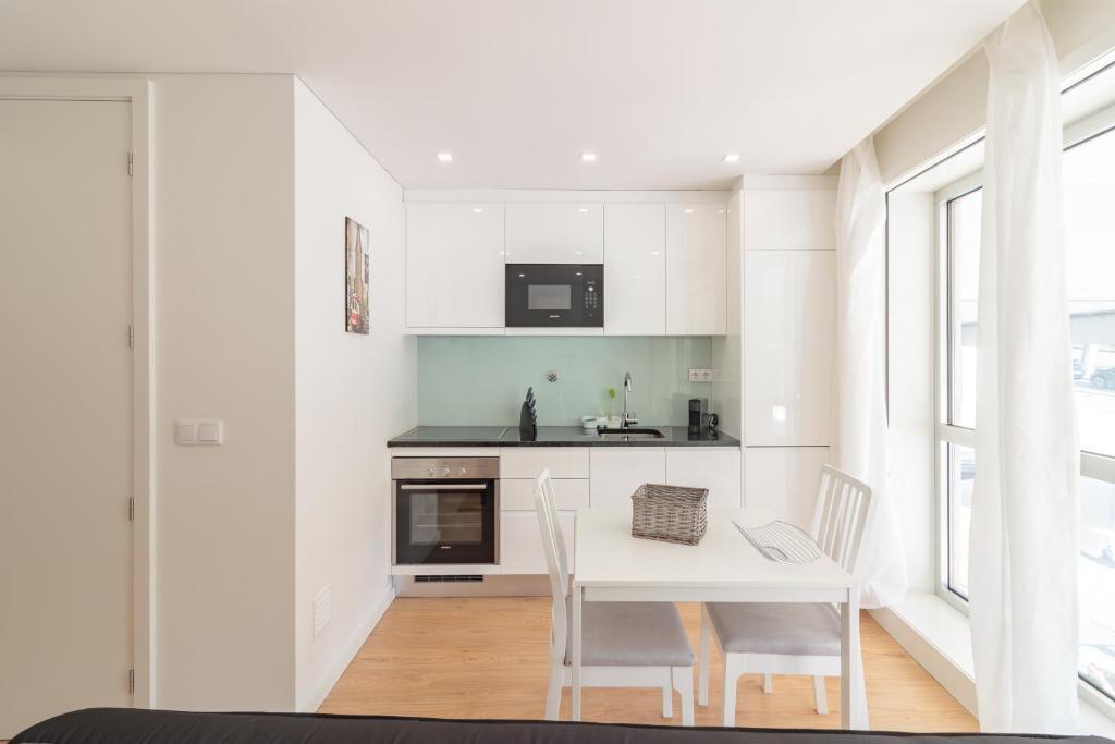 Brilliant Apartment Oporto Town Hall Flat By Urban P Porto Portugal Uwap Interior Chair Design Uwaporg