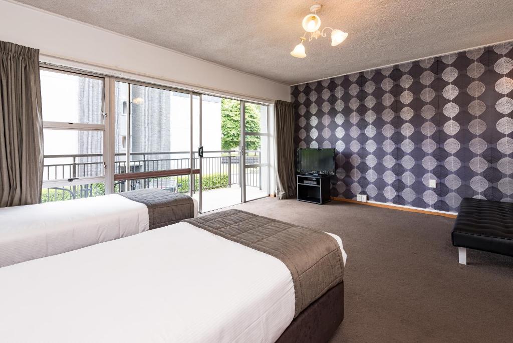 Retro Motel at the Ambassador Hotel