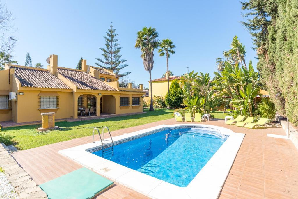 Guadalmar: Villa con piscina (Spanje Málaga) - Booking.com