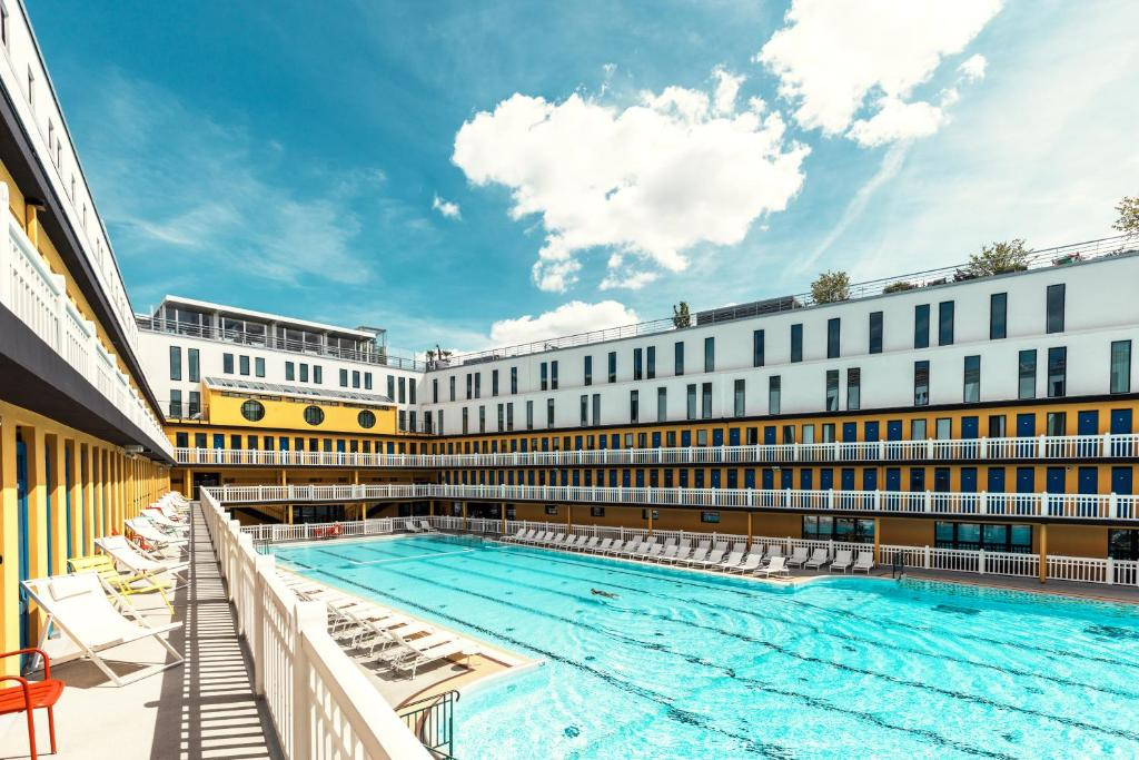 Molitor Paris - MGallery游泳池或附近泳池