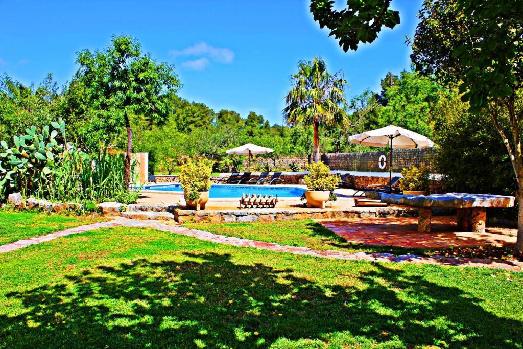 Het zwembad bij of vlak bij Agroturismo Can Fuster