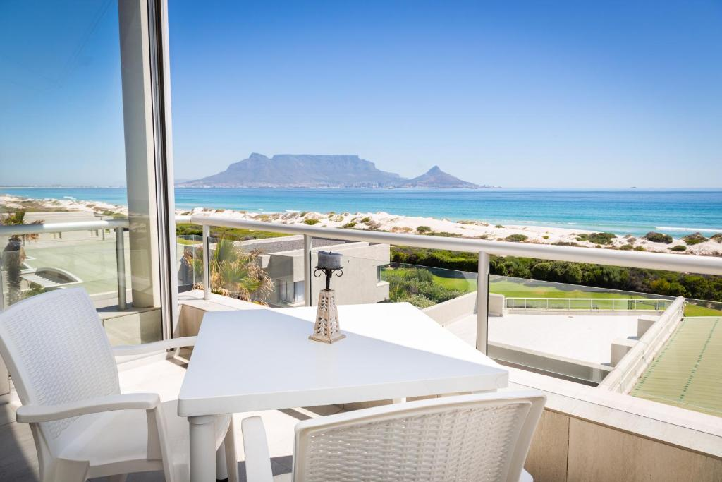 Dolphin Beach Luxury Apartment Cape Town South Africa