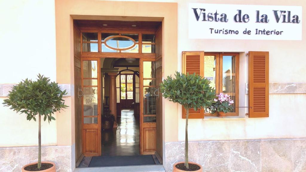 The facade or entrance of Vista de la Vila - Turismo de interior.