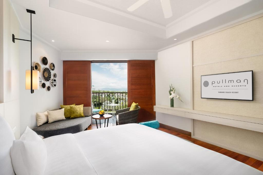 Phòng Deluxe Có Giường Cỡ Queen với Tầm Nhìn Ra Vịnh và Ban Công