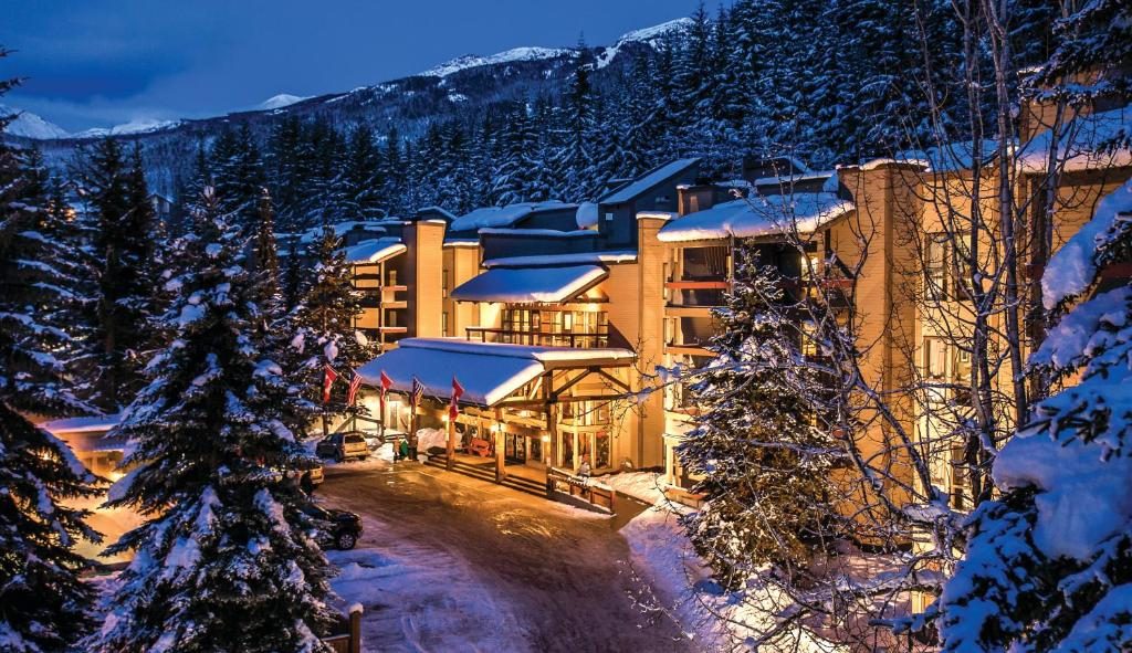 Tantalus Resort Lodge during the winter