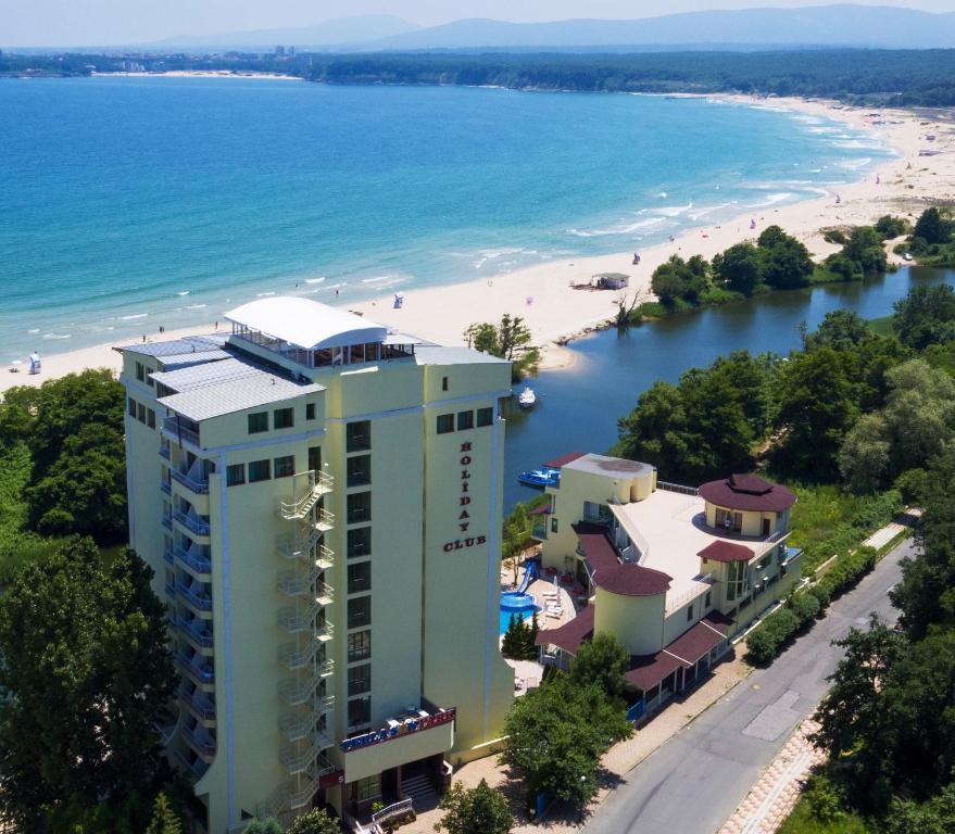 A bird's-eye view of Perla Sun Park Hotel