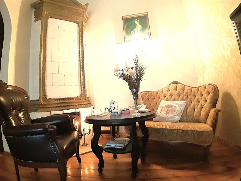 French Decor Apartment, Vilnius, Lithuania - Booking.com