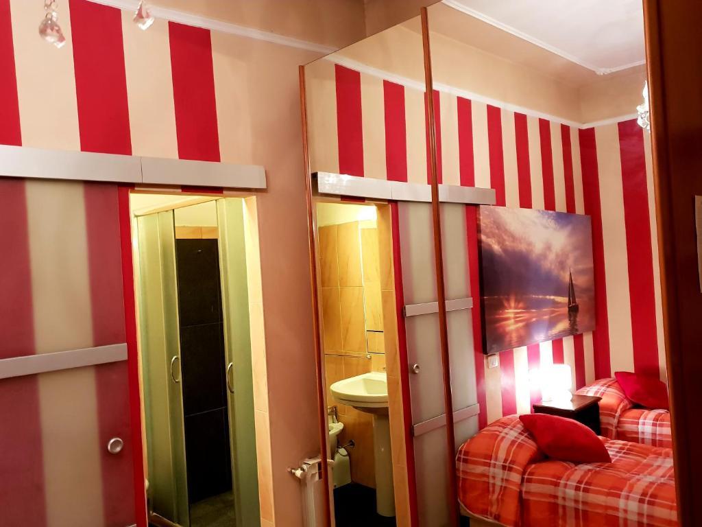 Bagno Turco Novara.Apartment Lucy S Houses Vittoria Rosso Novara Italy