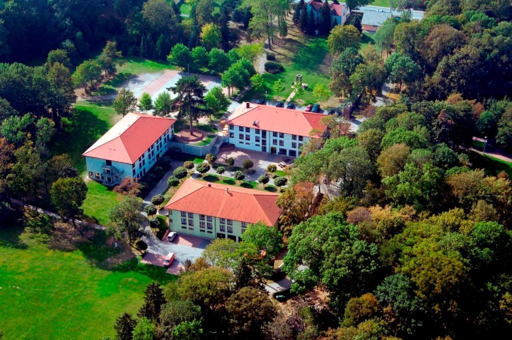 Een luchtfoto van Kim Hotel Im Park