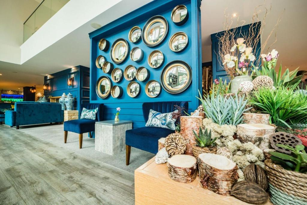 De Vere Cotswold Water Park Cirencester Updated 2020 Prices