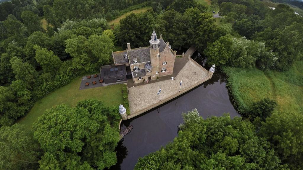 Een luchtfoto van Fletcher Landgoedhotel Renesse
