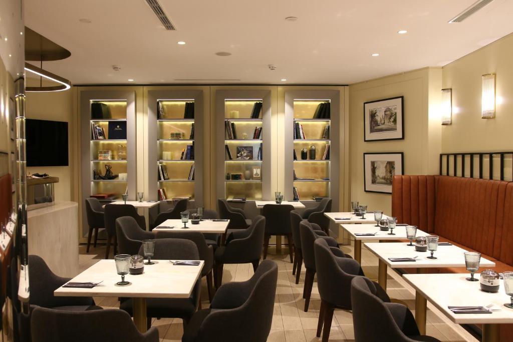 Ресторан / где поесть в Отель Акварель