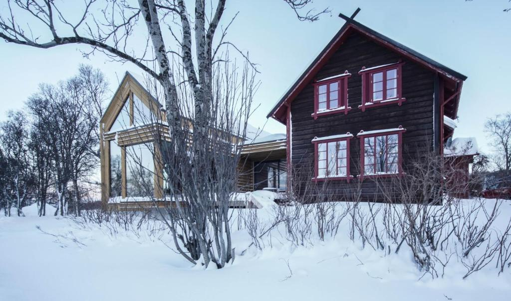 Home-stay VILLA STRANDHEIM during the winter