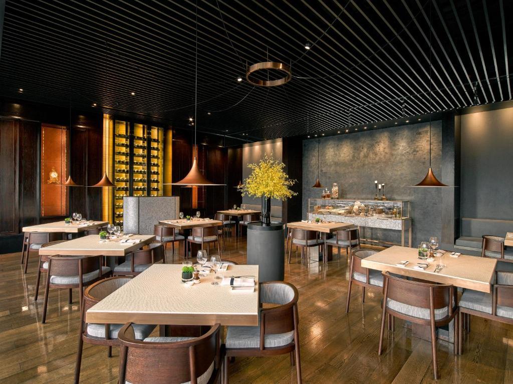 The Puli Hotel And Spa Shanghai China Booking Com