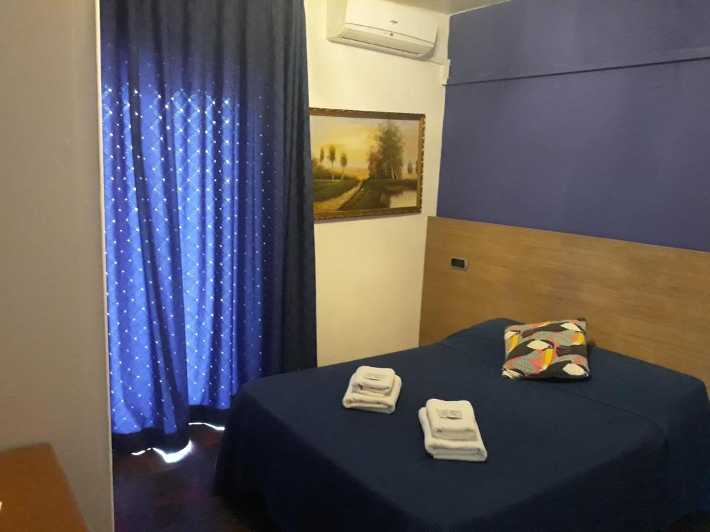 A bed or beds in a room at Hostel can salvado