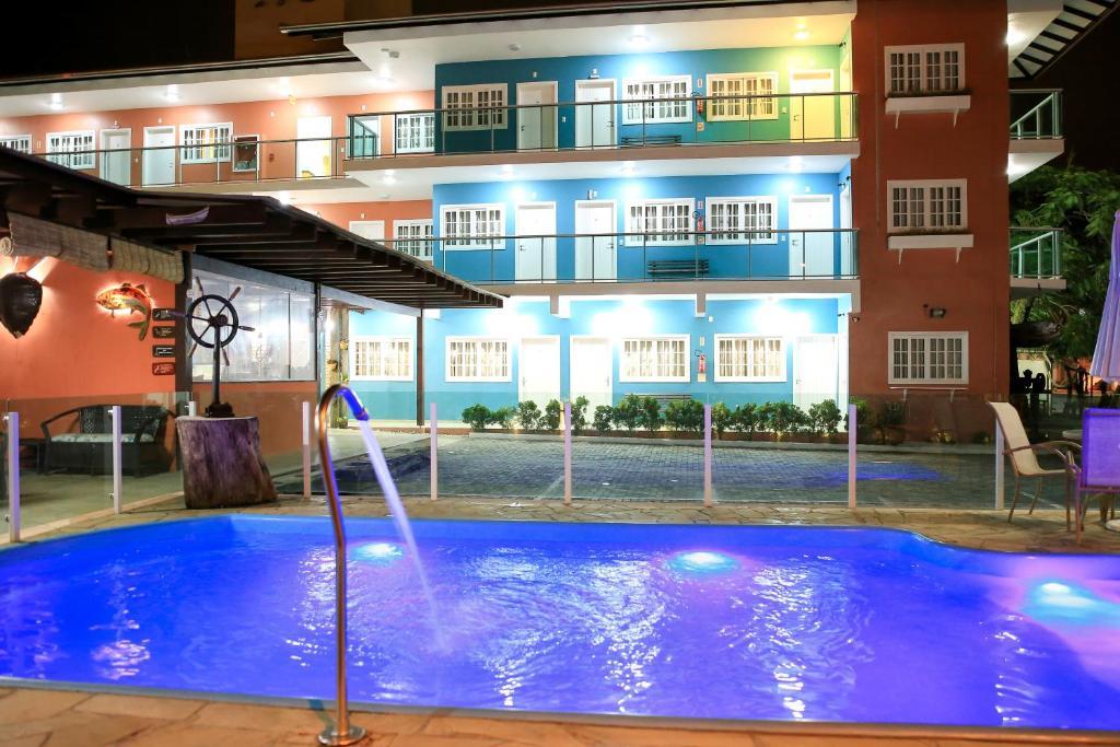A piscina localizada em Pousada Quinta da Baleeira ou nos arredores