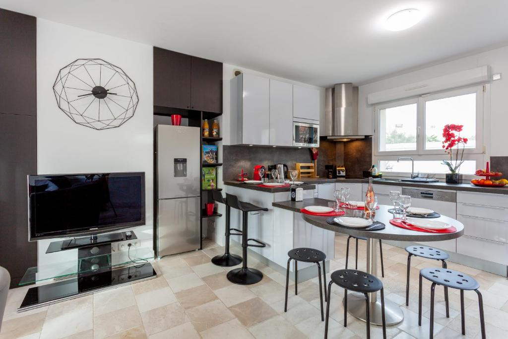 Holiday home ❤️ Belle maison moderne avec jardin, Chevilly ...