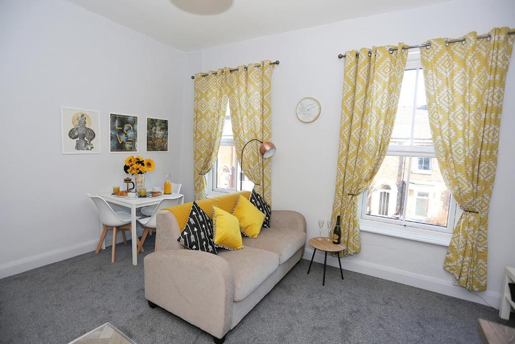 Istumisnurk majutusasutuses Nunthorpe Road Apartment