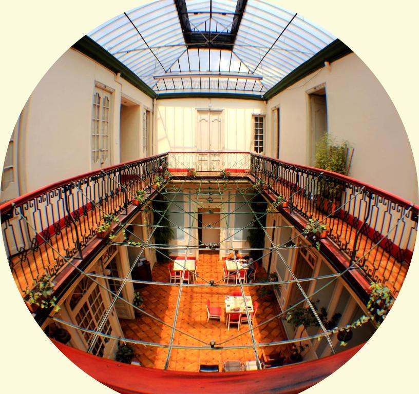 Un balcón o terraza en Hostal R10