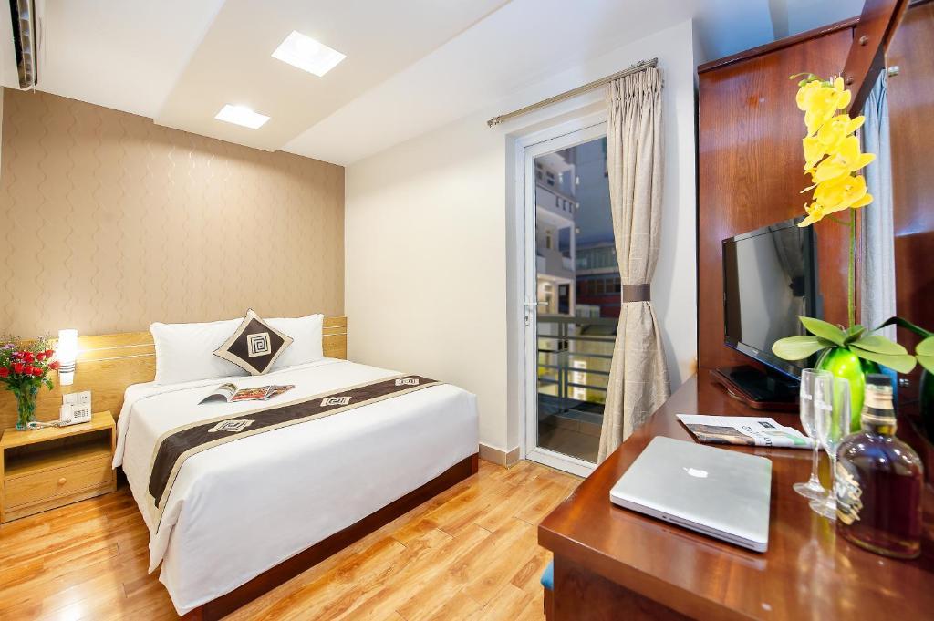 Suite Giường đôi này có Ban công và Nhìn ra Thành phố