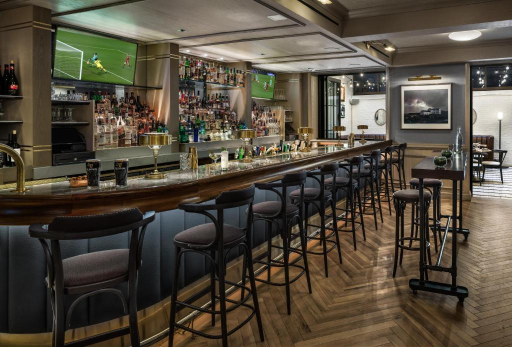 Outstanding Merrion Row Hotel And Public House Vs New York Booking Com Caraccident5 Cool Chair Designs And Ideas Caraccident5Info