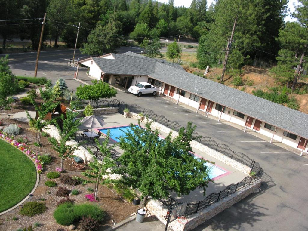 A view of the pool at Mother Lode Motel or nearby
