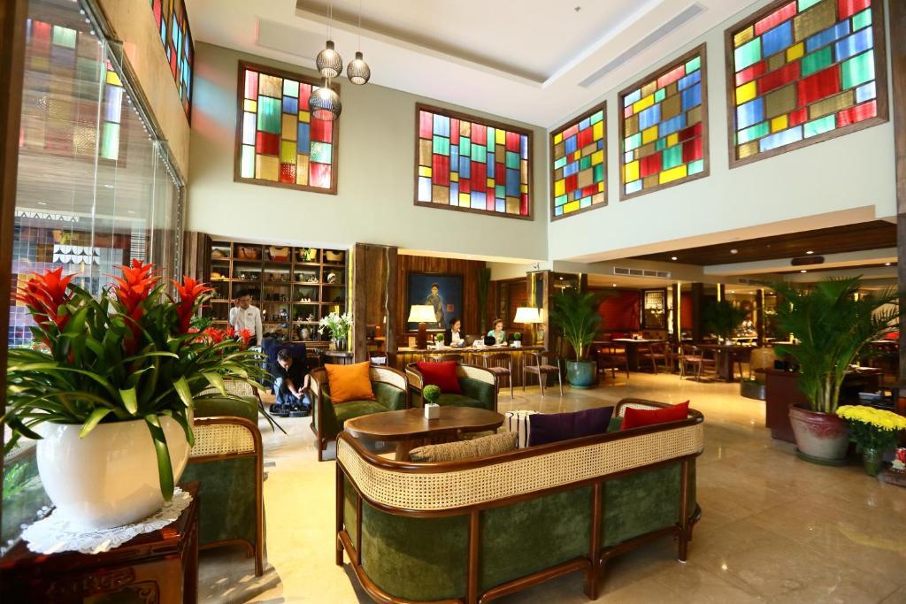 Au Lac Legend Hotel