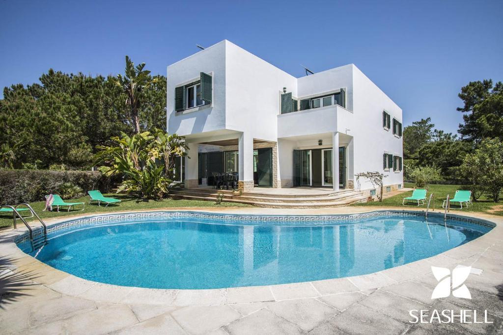 Villa Teddy (Portugal Troia) - Booking.com