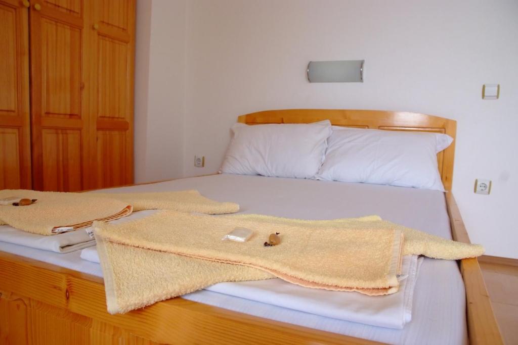 Cama o camas de una habitación en ATM Rooms Ahtopol