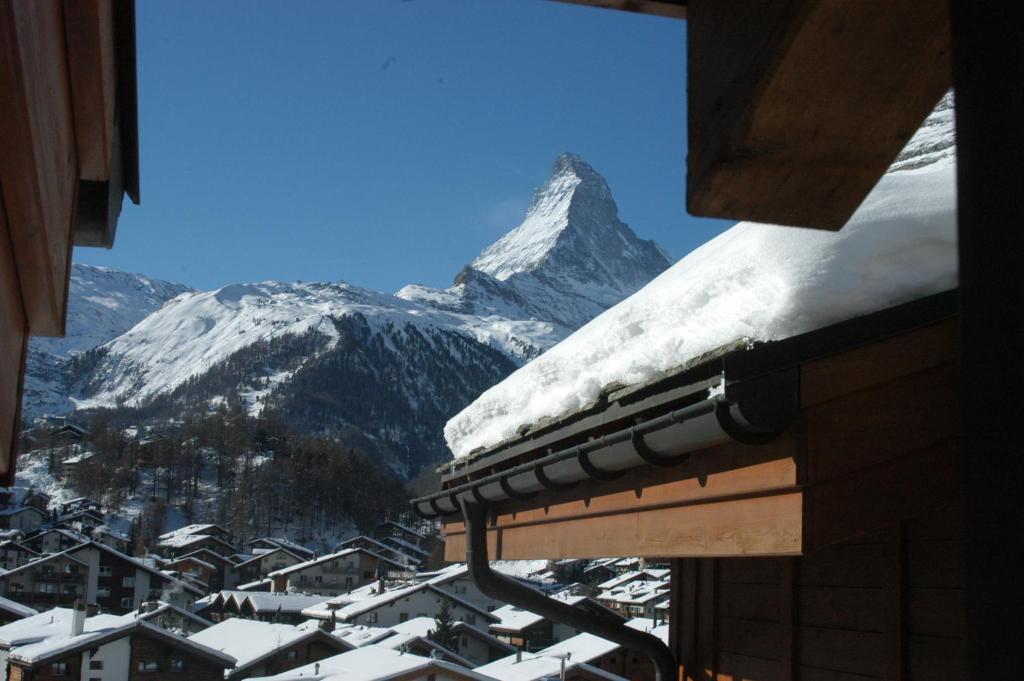 Chalet Guggenbiel during the winter