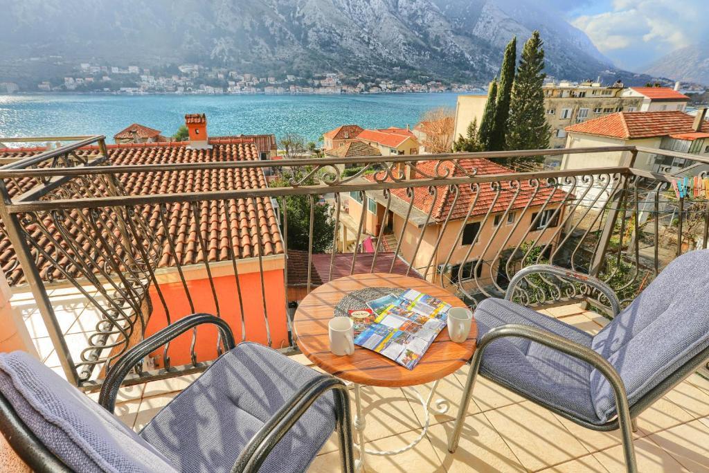 A balcony or terrace at Apartments Boka Heart