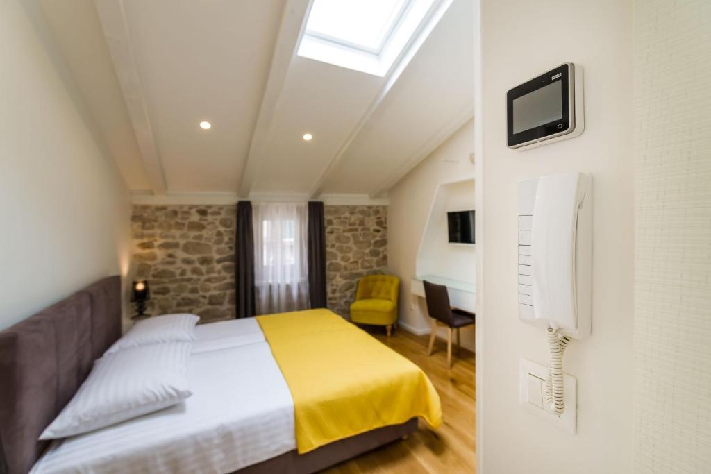 Guesthouse S Rooms Šibenik Croatia Booking