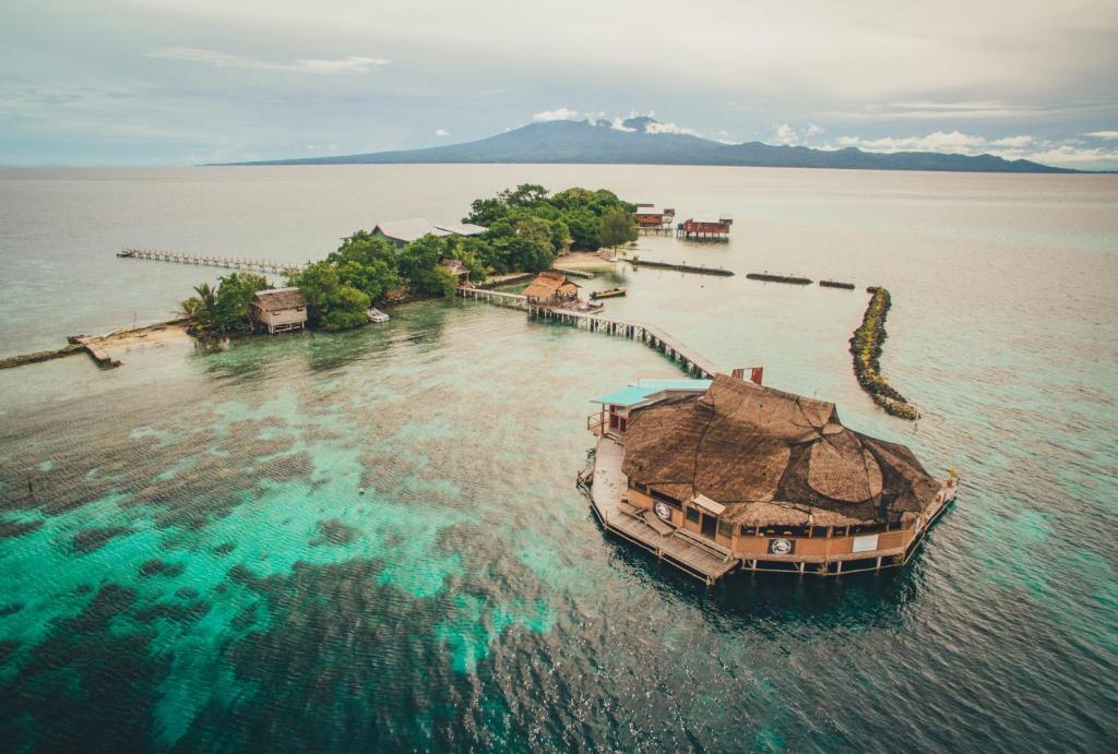 A bird's-eye view of Imagination Island