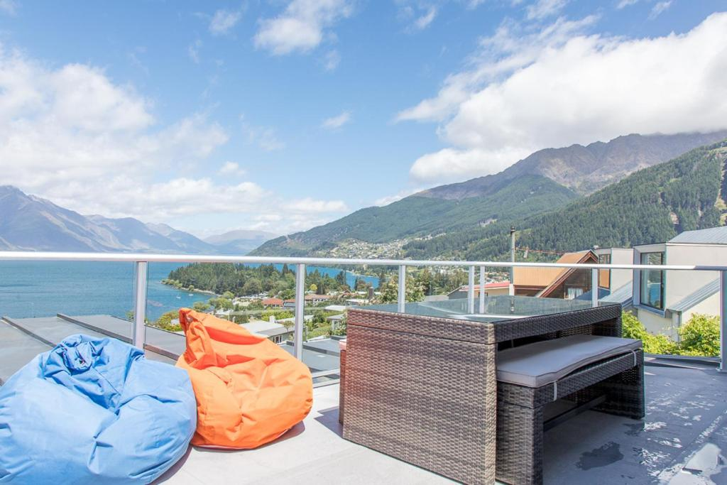 Fine Panoramic Views Queenstown Updated 2019 Prices Gmtry Best Dining Table And Chair Ideas Images Gmtryco