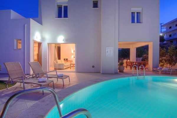 Πισίνα στο ή κοντά στο Villa Alkisti & Villa Artemi
