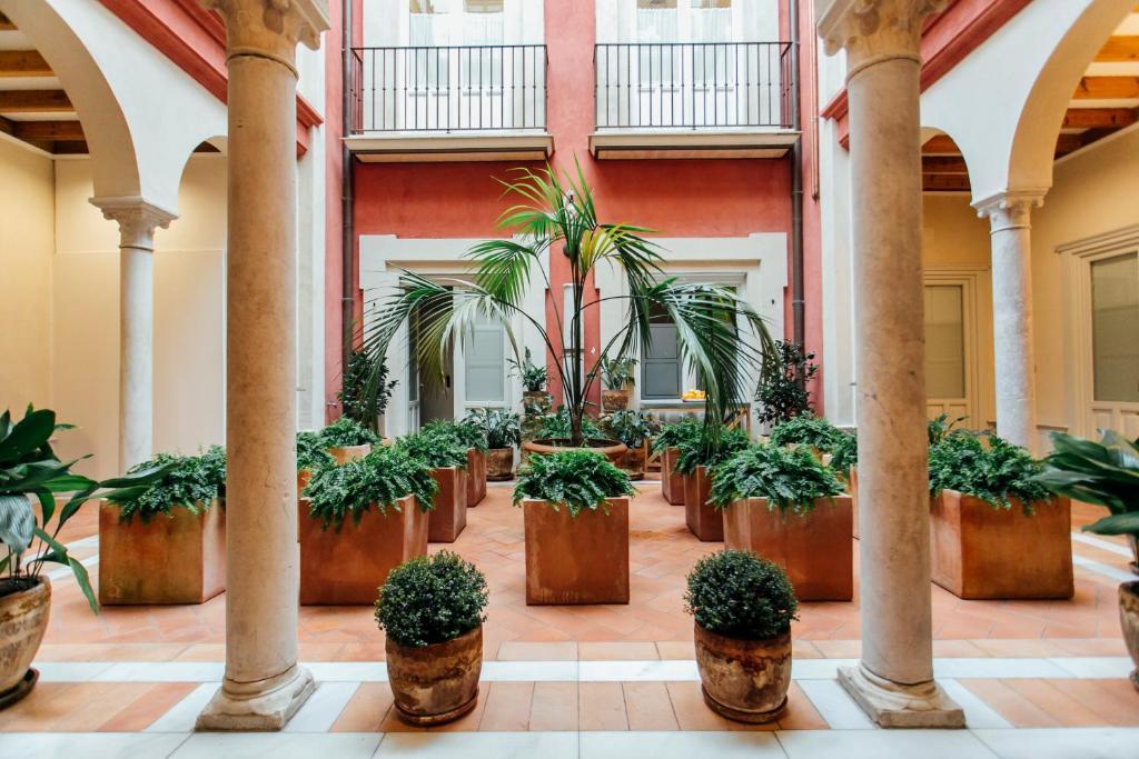 Aparthotel Casa Patio del Siglo XIX (España Sevilla ...