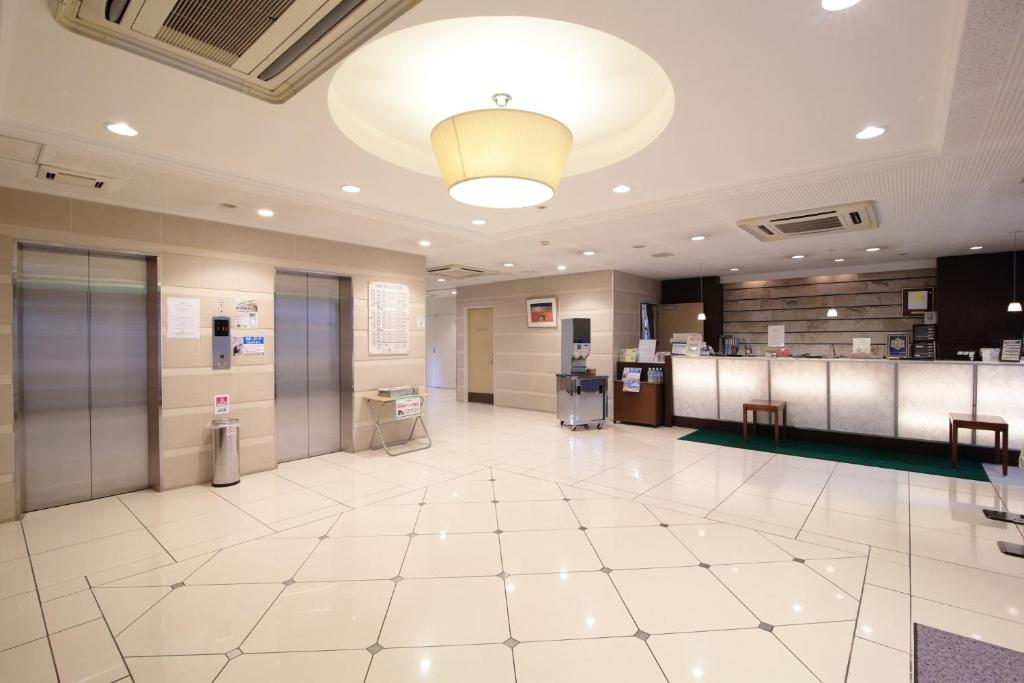 The lobby or reception area at Country Hotel Niigata