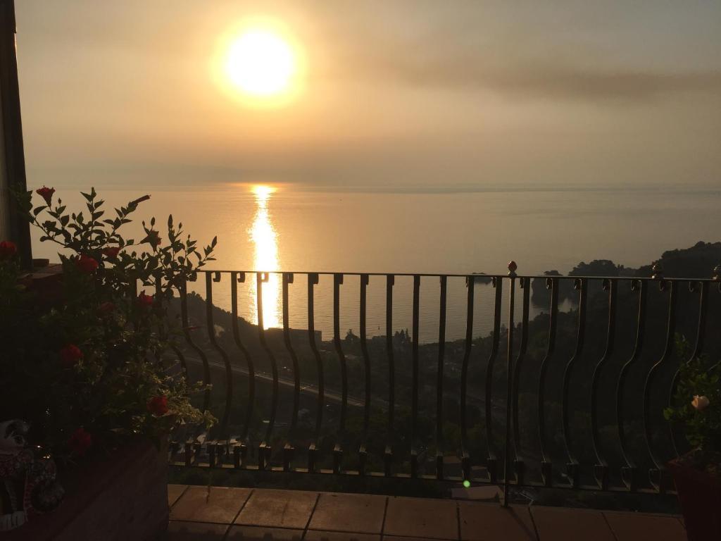 B B La Terrazza Sul Mare Taormina Italy Booking Com