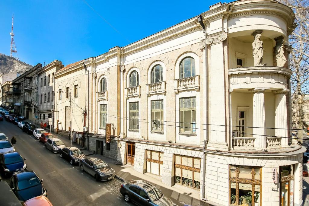 Downtown Apartment Rustaveli