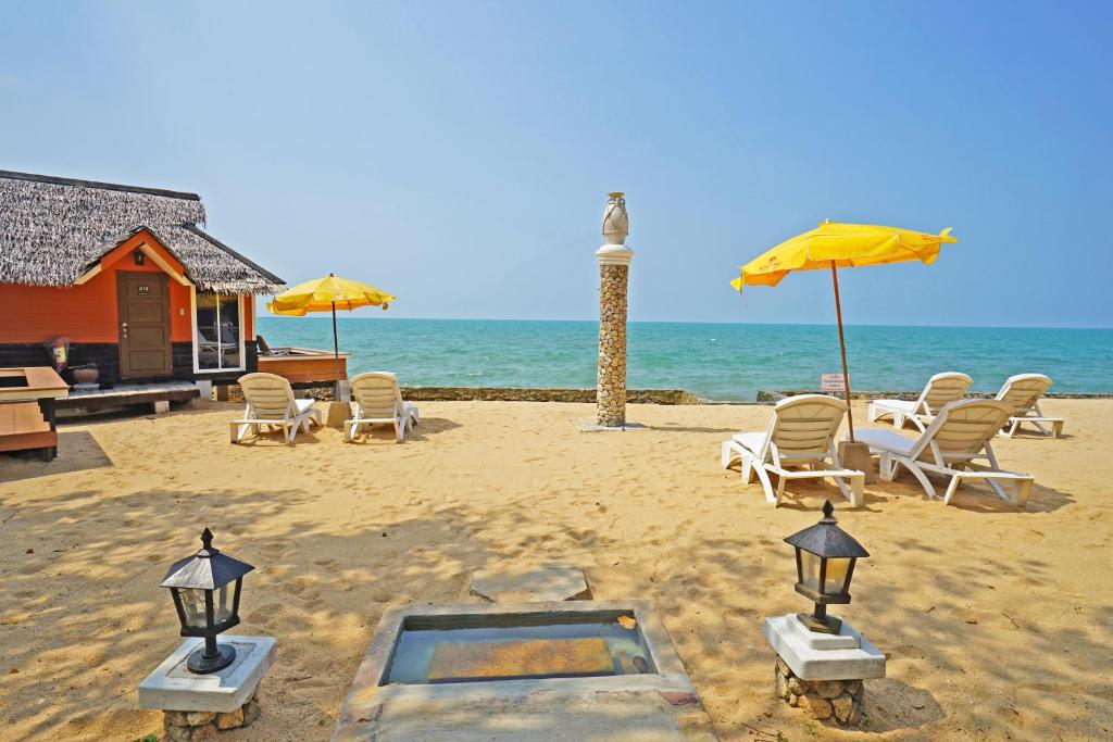 The Sunset Village Na Jomtien Thailand Booking Com