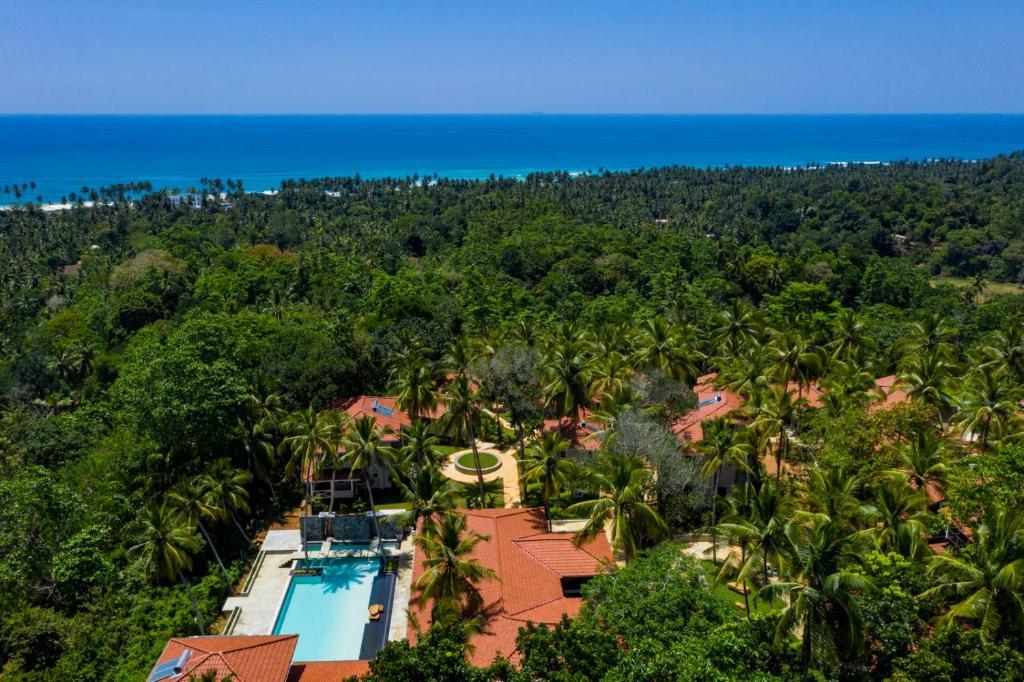 Een luchtfoto van Tabula Rasa Resort