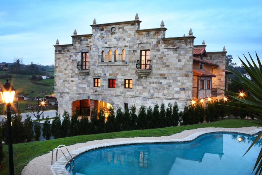 boutique hotels in santillana del mar  48