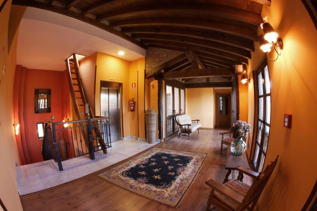 boutique hotels in santillana del mar  34