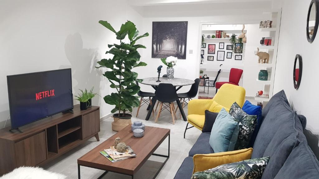 The Xclusive Apartment, Larnaka – Updated 2019 Prices on home sofa sleepers, home mirrors, home kitchen, home design, home cell phones, home art collection, home health, home walls, home upholstery fabric, home windows, home funeral services, home garden ideas, home garden trees, home roof systems, home bed, home decor, home appliances, home furnishings, home countertops,