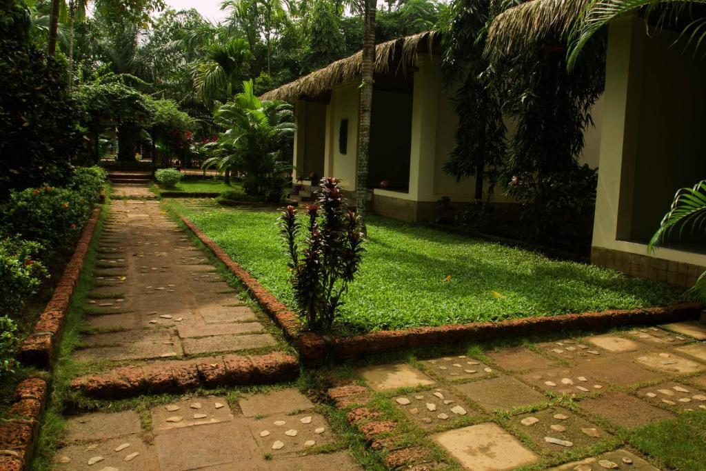 A garden outside Golden Sunrise Hotel