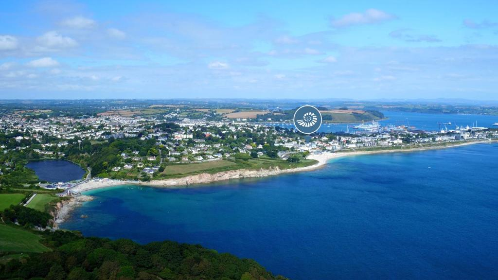 A bird's-eye view of St Michaels Resort, Falmouth