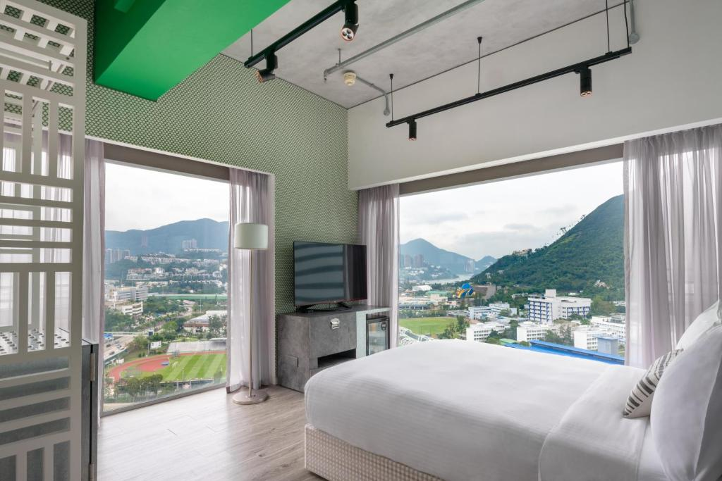 Visitors guide to Hong Kong - Ovolo is one of the very best cheapest hotels in Hong Kong.