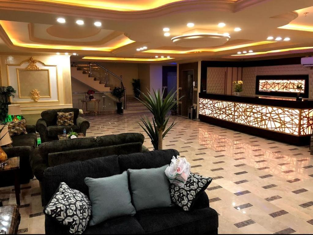 The lobby or reception area at تاج الإتقان