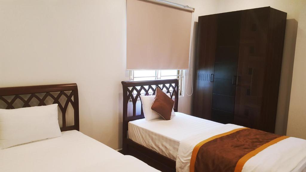 Phòng Ngủ Tập Thể 4 Giường Cho Cả Nam Và Nữ